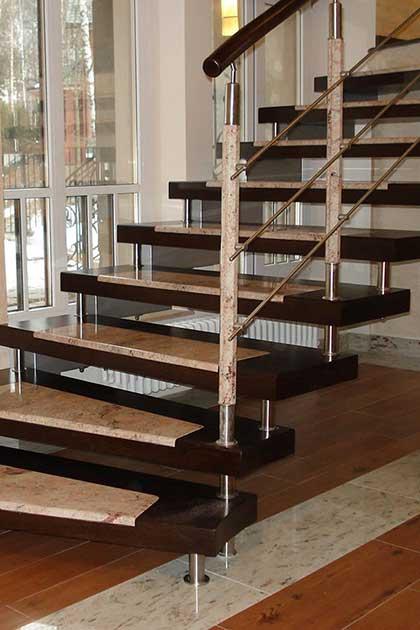 Лестницы на больцах