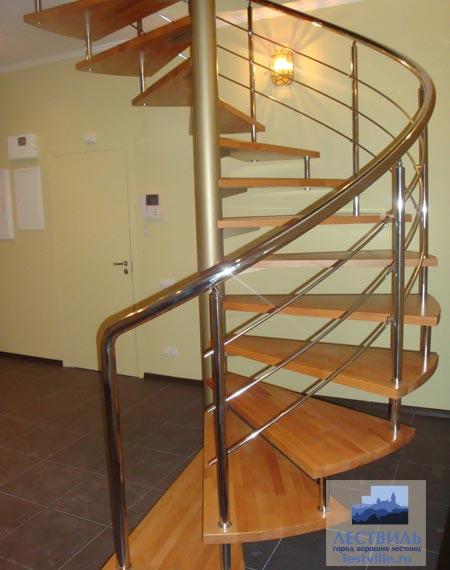 Лестница винтовая v001