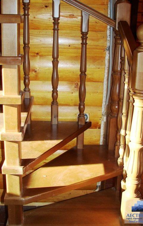 Лестница винтовая v008