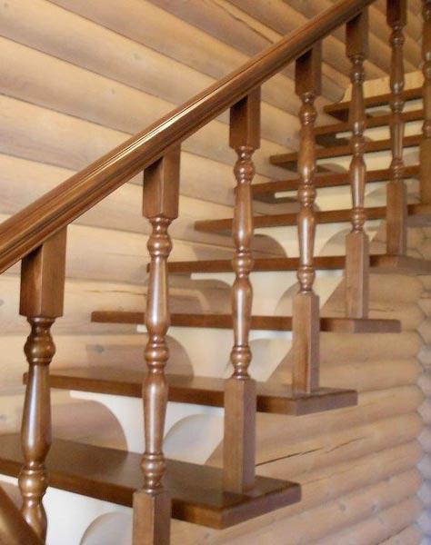 Лестница на центральном косоуре c002