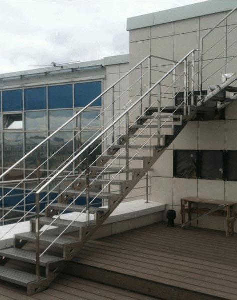 Лестница из нержавейки n002