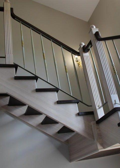Лестница с ковкой kv002