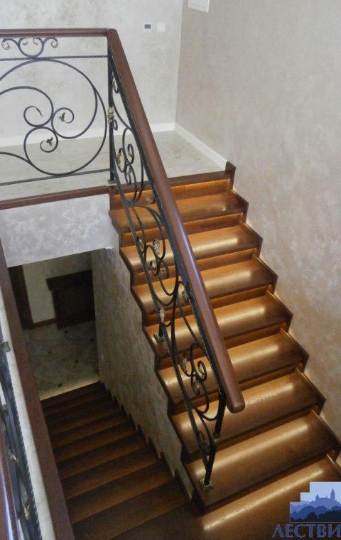 Лестница с ковкой kv001
