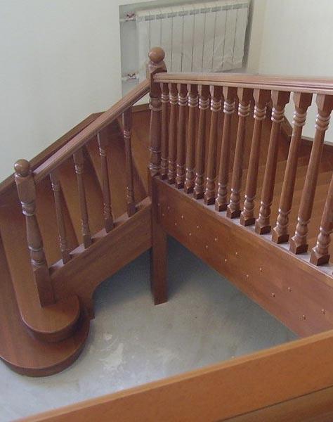 Лестница на тетивах t025