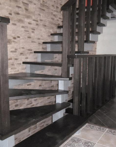 Лестница на ступенчатых косоурах s010