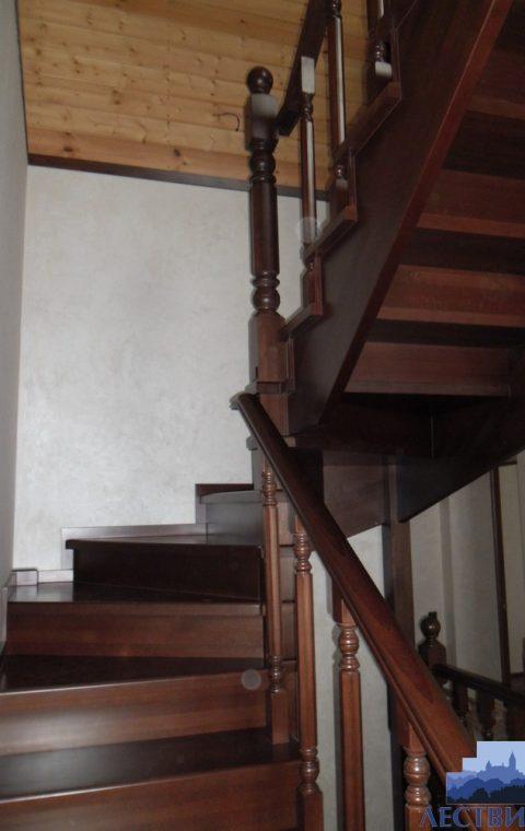 Лестница на тетивах t019