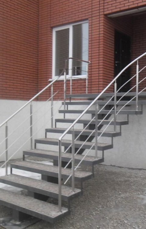 Лестница из нержавейки n003