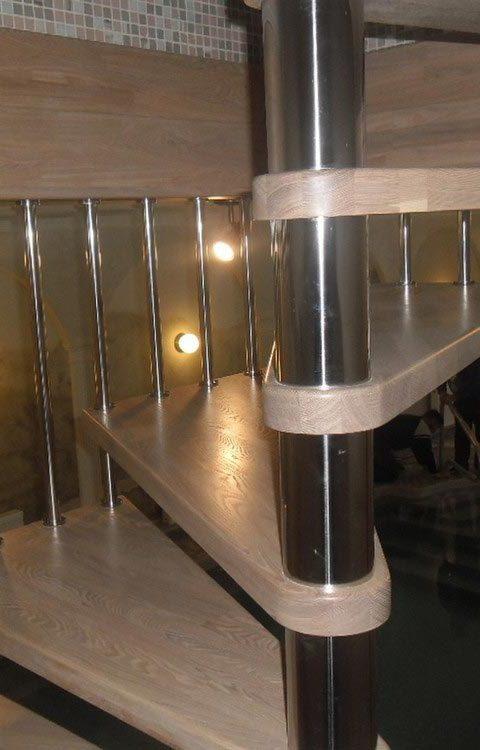 Лестница винтовая v012