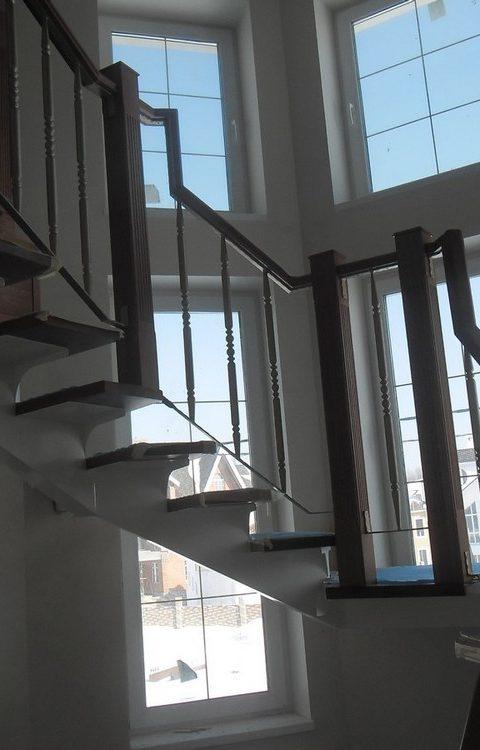 Лестница на центральном косоуре c007