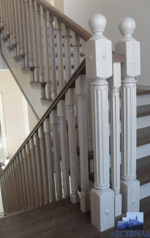 Лестница на металлокаркасе m004