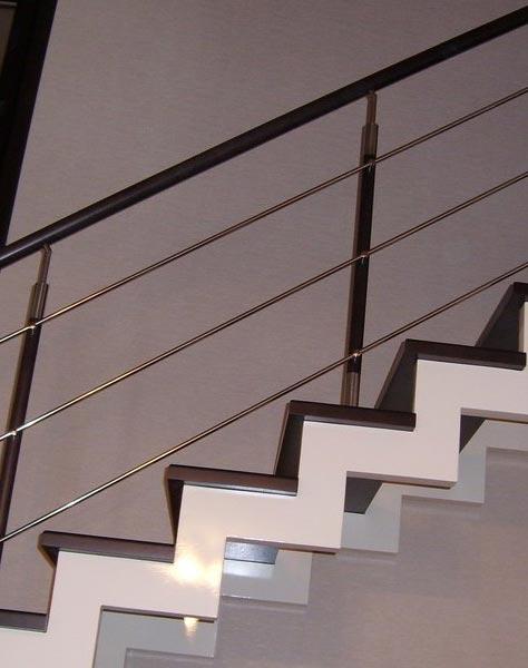Лестница на ступенчатых косоурах s009