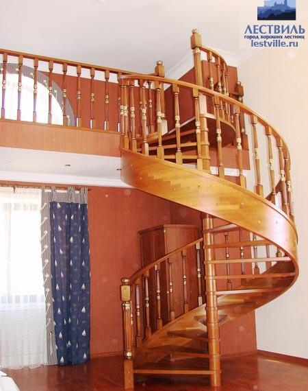 Лестница винтовая v007